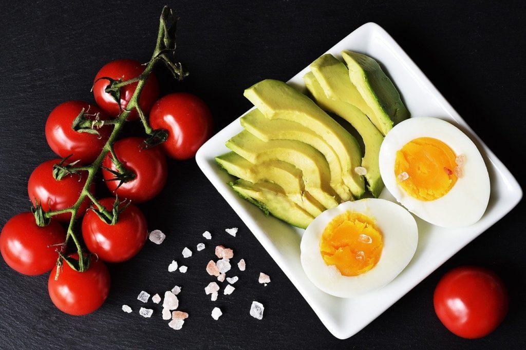dieta ketogeniczna przykładowy posiłek