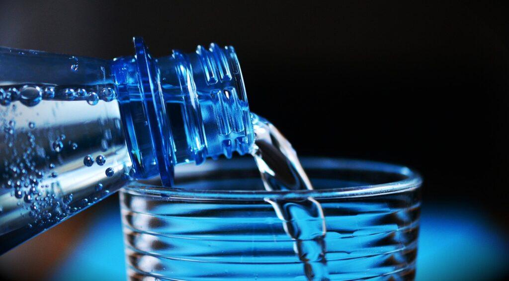 picie wody czysta micha